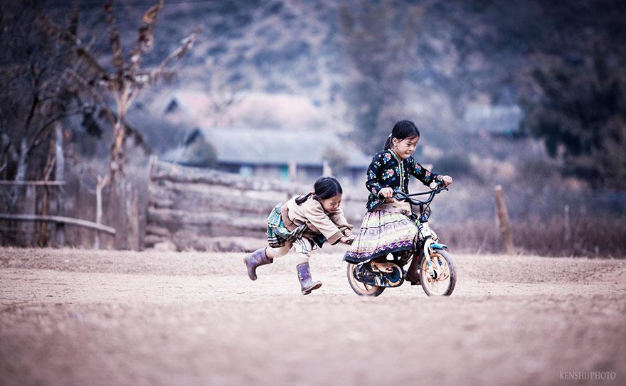 children-playing-9
