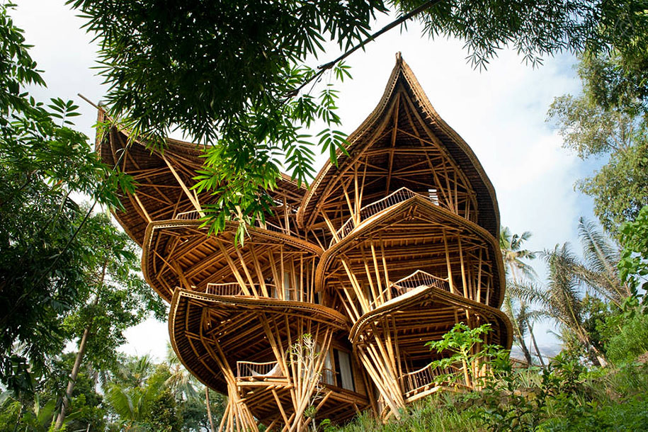 This Woman Creates Jaw-Droppingly Beautiful And Sustainable Houses Made Out Of Bamboo