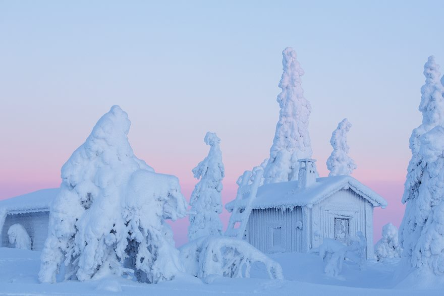 These 15 Enchanting Pictures Will Make You Want To Spend Christmas In Lapland thumbnail