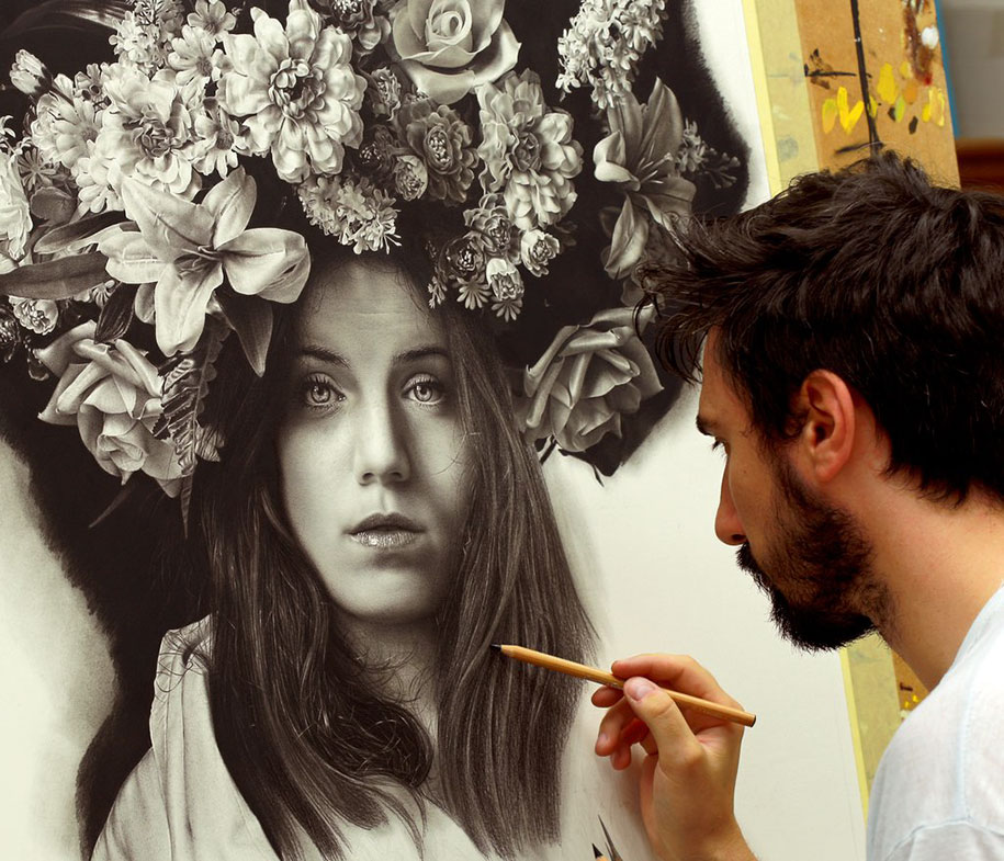 Italian Painter Creates Mind-Blowing Hyperrealistic Pencil Drawings In Several Hundreds Of Hours thumbnail