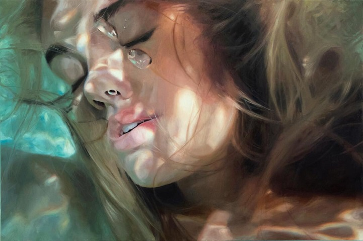Painter Creates Unbelievably Realistic Paintings Of Women Underwater thumbnail