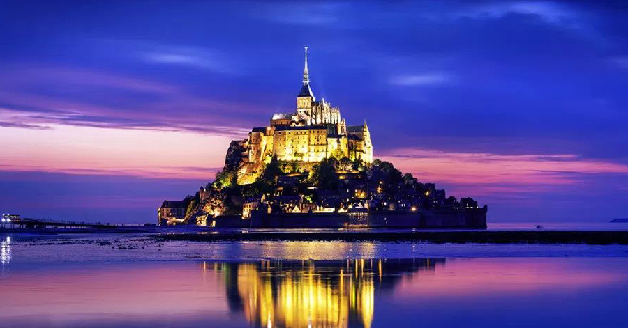 20 Of The Most Magnificent Fairytale Castles From All Over The World thumbnail
