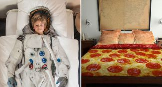 19 Super Cool And Funny Bed Covers. #5... LOL.